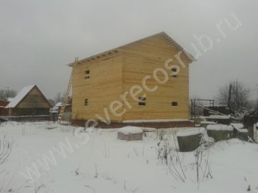 Фоторепортаж строительства двухэтажного дома из обычного бруса 8*10м.
