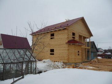 Фоторепортаж строительства дома 9*10,85 из обычного бруса
